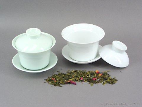 Traditional Chinese porcelain individual Gaiwan tea cups.