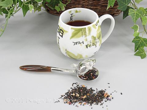 Infuser with brown handle