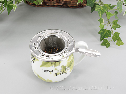 Infuser strainer with handle