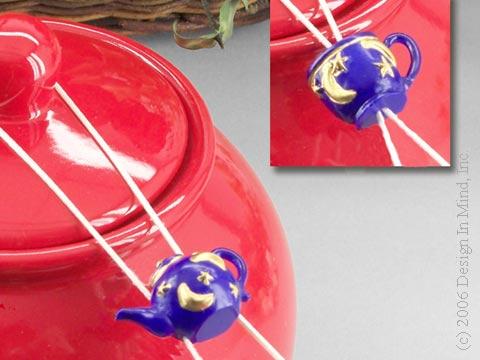 Blue teapot/cup sponge drip catcher