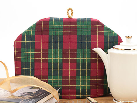 Tea Cozy - Plaid Tidings