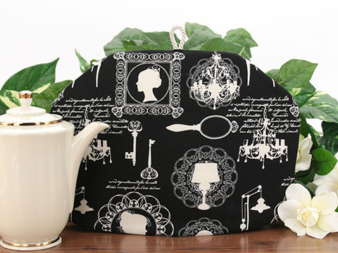 Tea Cozy - Cameo Noir