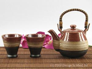 Porcelain and stoneware teasets from Japan